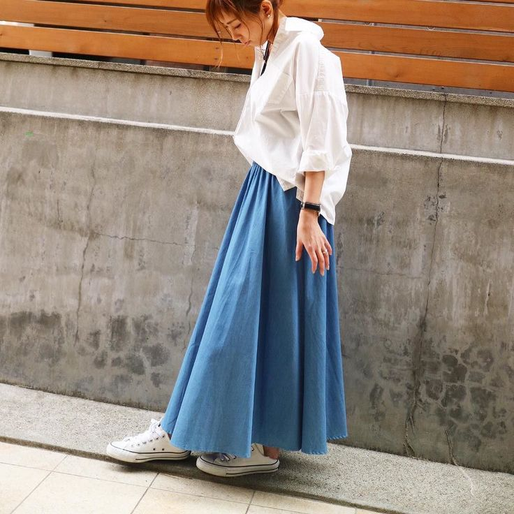 デニム素材のフレアスカート 鉄板シャツ合わせ このスカートかわいいなっ( ) ウエストゴムなので 楽チン 詳しくは今日のブログにφ(ω)゚:  2017spring collection 8900tax size/F color/ブルー 店舗通販可能  #マキシスカート #スカート #skirt #simplestyle #simple #シンプルコーデ #ootd #outfit #todaysoutfit #今日の服 #今日のコーデ #大人可愛い #大人女子 #大人カジュアル #アラサーコーデ #アラフォーファッション #アラフォーママ #デニムコーデ #デニムスカート #denim #denimskirt #blouse #春物 #新作 #newarrival #1stanniversary #1周年 #イベント中 #ご来店お待ちしております