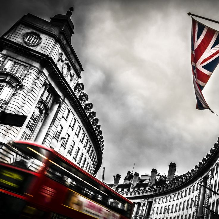 London Bus and England Flag #wallpaper #photo #travel Photographer (copyrights ©): Mika S. License: Only for personal background.