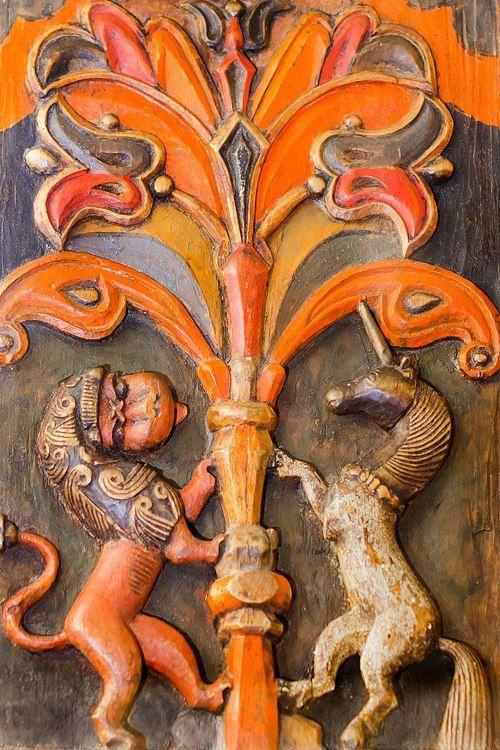 Музей декоративно-прикладного искусства: «Традиционное народное искусство» и «Декоративно-прикладное искусство России XVIII – первой трети XIX века».