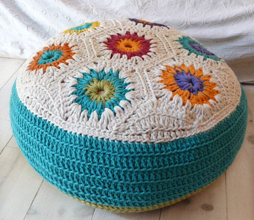 Big Pillows To Sit On The Floor : 1000+ images about Crochet - Pillows on Pinterest Minion crochet, Porcelain jewelry and Floor ...
