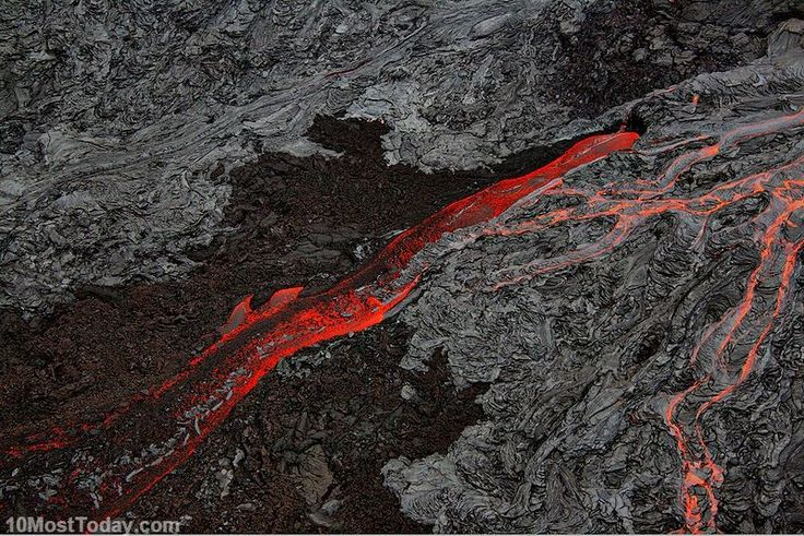 Best Places To Watch Lava: Kilauea, Hawaii (source: wiki)