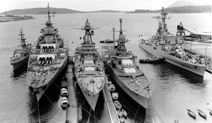 Croiseurs de la marine française autour de 1939 - De gauche à droite: le Jean Bart, le Montcalm et l'Océan.