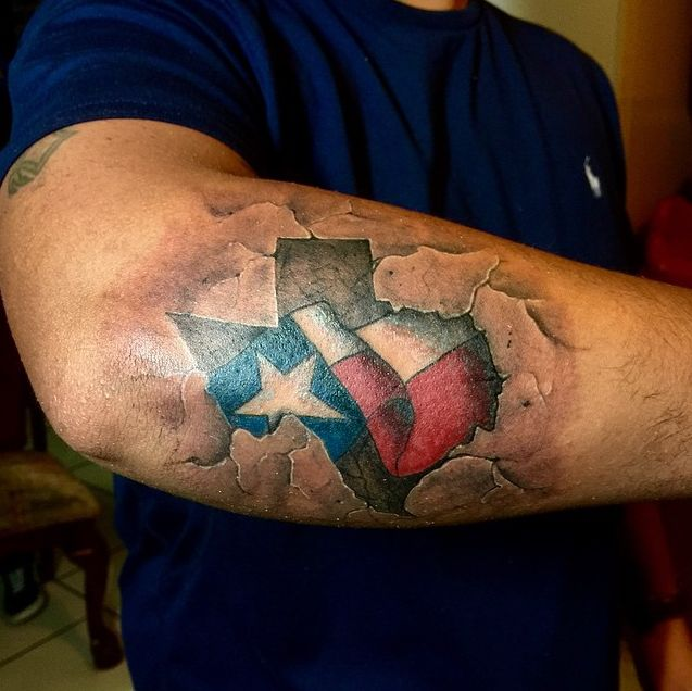"<a href=""https://instagram.com/p/2BuC9HuTbq/?tagged=texasink"">tattoo_elayer/Instagram</a>"