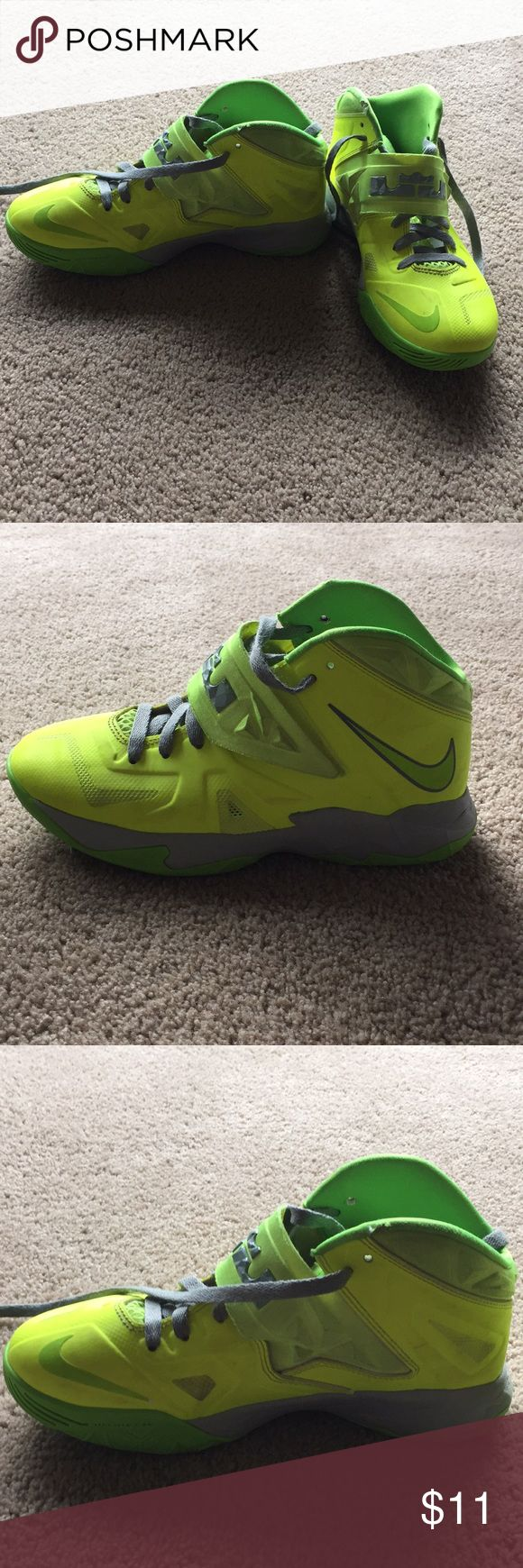 Boys Nike Size 6Y Boys Nike Size 6Y Bottom of the sneakers in good condition One small rip on each sneaker all the way on the top by the top edge where the laces go , see picture Shoes Sneakers