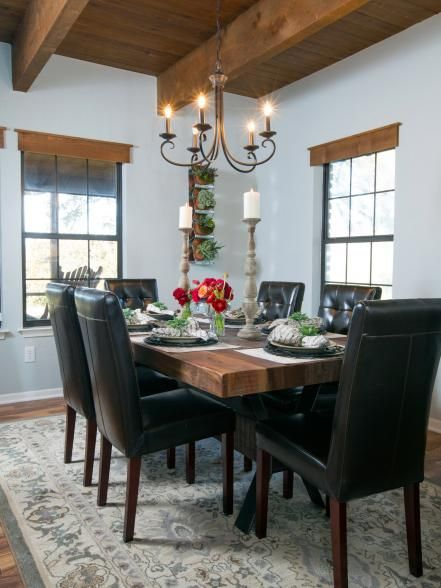 Fixer upper country farmhouse goes from scary to for Casual dining room curtain ideas