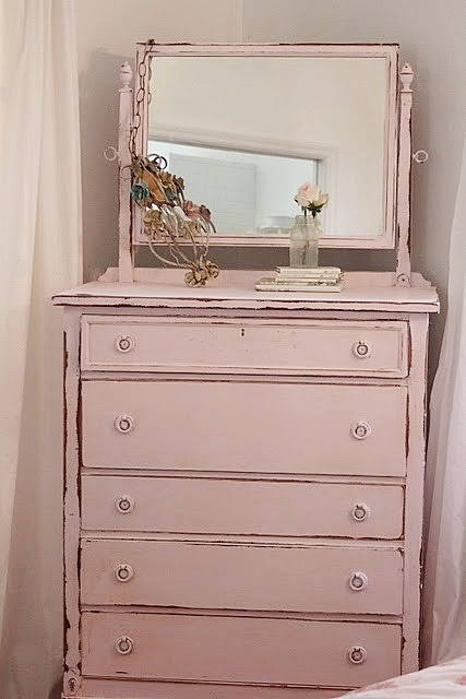 antique furniture interiors - I would love to have this piece!! I want Kenny and I to each have a dressing table like this, and different color.