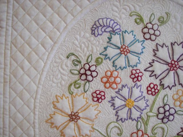 Embroidery Quilt Border Designs : 17 Best images about Embroidery for quilts on Pinterest Quilt, Route 66 and Embroidered quilts