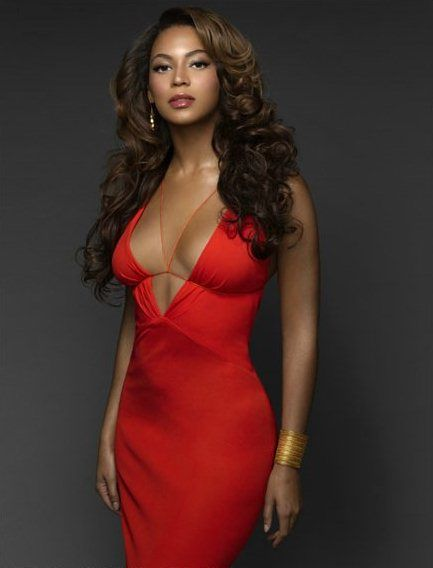 Beyonce in sexy dress