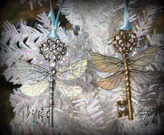 Ces décorations de sapin clés volantes : | 18 décorations de Noël pour tous les fans d'Harry Potter