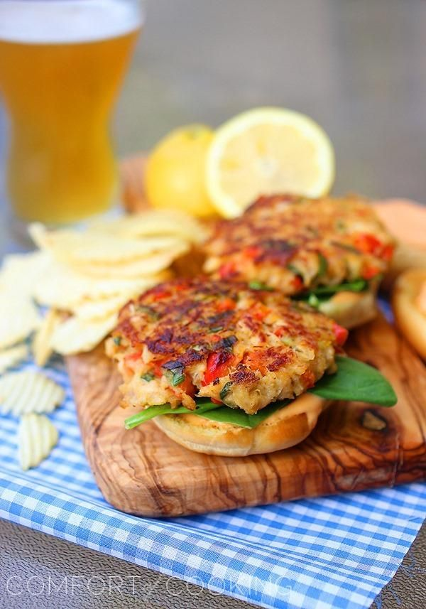 Crab Cake Sliders with Spicy Mayo