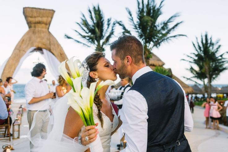 """And they said """"I do"""" at the Dreams Riviera Cancun ✈️💍🌴"""