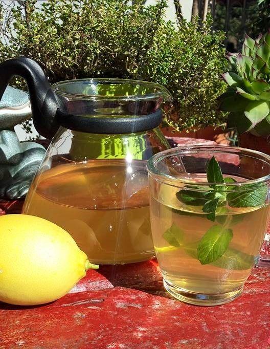 Tisana tè zenzero e limone rinfrescante, tonica e diuretica, volete un aiutino per mantenere la vostra linea, ecco la tisana che fa per voi.