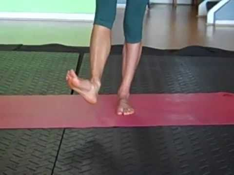 Barefoot Training Workout - 10 minute foot exercise routine w/ Caroline J.