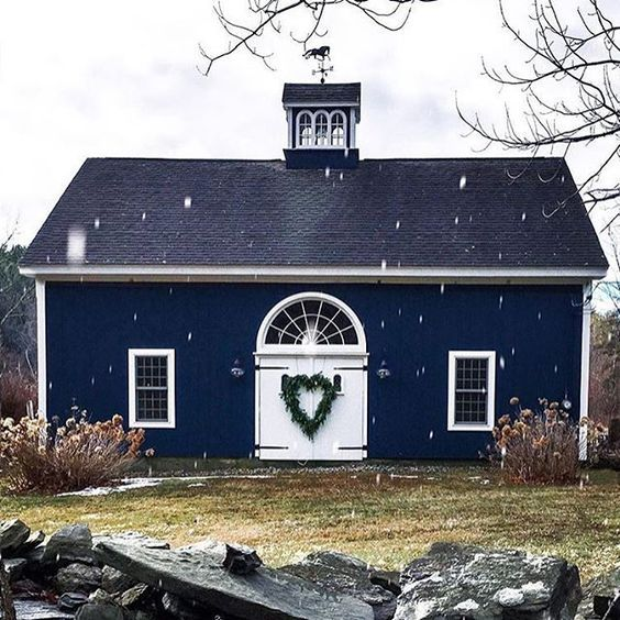 Wonderful navy and white barn