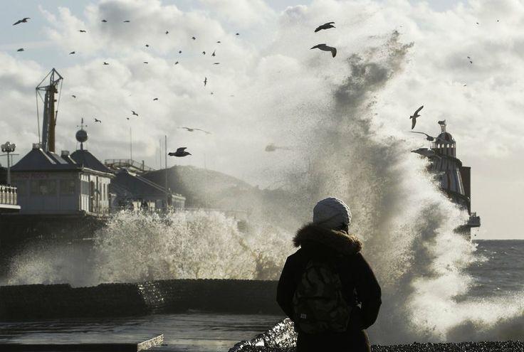 Le front de mer de Brighton, dans le sud de l'Angleterre, le 15 décembre 2011. Le pays subit tout une série de tempêtes ce mois-là.  Image: Reuters