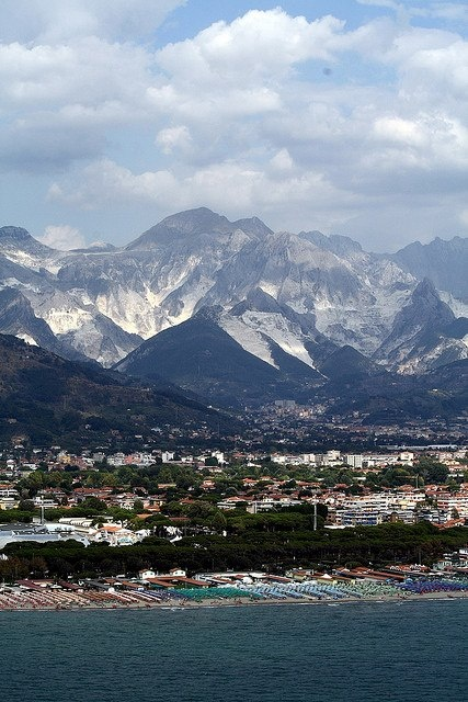 Versilia and the Apuan Alps