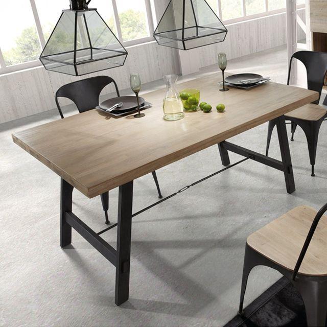 Table de repas fixe en bois