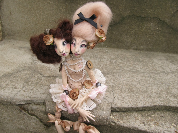 Anna and Moira ,siamese dolls http://asoury.weebly.com/