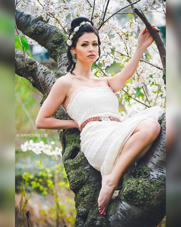 Taak Fashion/Glamour Modeling Photography - Habib Collection Photography Spring 2017 Model: @eleeka Mekeup/Hair: @aroosbeautytoronto Photographer: @pourya_ali _______________ #park #summer #top #torontomodels #tbt #girls #torontofashionweek #modeling #toronto #newyork #torontomodeling #mua #makeup #torontomakeup #fashion #wedding #fashionable #fashionpost #dress #hairstyles #models #stylish #girl #model #color #beauty #torontowedding #bride #modelingagency #classic