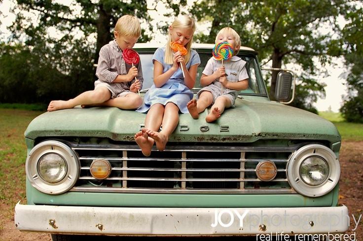Old truck w/kids: Sweet Shots, Barefoot Kids, Kids Photography, My Girl, Cute Ideas, Kid Photography, Photo Ideas Inspiration, Family Kids Inspiration, Trucks W Kids