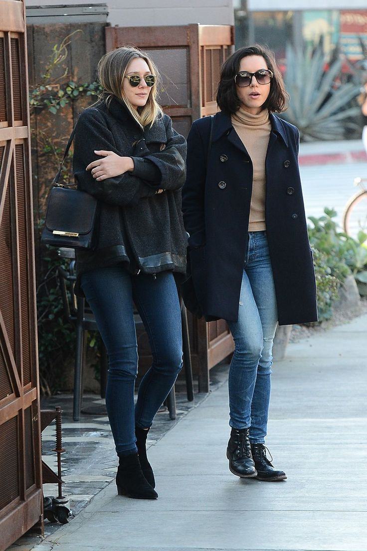 ELIZABETH OLSEN and AUBREY PLAZA Out for Lunch at Zinque in Los Angeles 11/30/2016 Read more: http://www.hawtcelebs.com/elizabeth-olsen-aubrey-plaza-lunch-zinque-los-angeles-11302016/#ixzz4SuMIvtWP