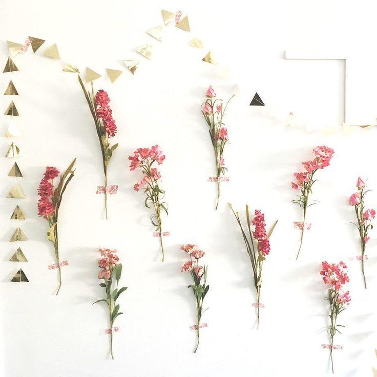 Today's pick upREAL PARTY BLOOMING REUNION Planner: glitter party styling (@glitter_party_styling) . お洒落なレンタルスペースで開かれた同窓会パーティーピンクをテーマカラーにお花を挿しこんだウィービングタペストリーやお花を壁に貼ったフラワーウォールなど至る所に花をあしらったボタニカルなスタイリング久しぶりに会う仲間とも懐かしい話題に花が咲きました . この実例の写真をもっと見る Website:@archdays archdays.com TOP>REAL PARTY . #glitterpartystyling #reunionparty #trianglegarland #harlowandgrey #ガーランド #ペーパーガーランド #三角ガーランド #フラワーウォール #ウォールフラワー #花壁 #同窓会 #インテリアデコレーション #パーティーグッズ #ホームパーティー #ホムパ #ボタニカル #ボタニカルフラワー #ボタニカルウェディング #ナチュラルウェディング…