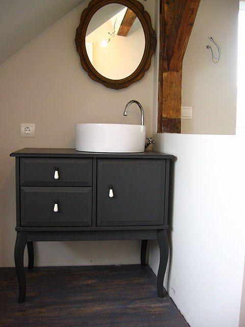 Commode Ikea transfomée en meuble SDB