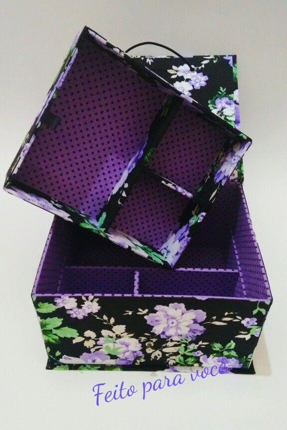 Caixa para bijuterias em cartonagem