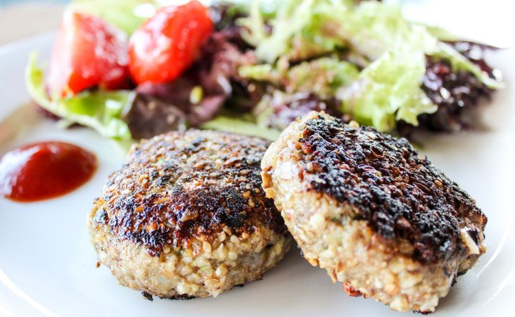 skinnymixer's Paleo Rissoles *** Follow these instructions for meatballs so the mince doesn't turn to mush ***