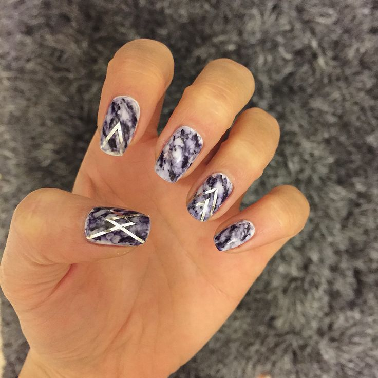 Marble nails.