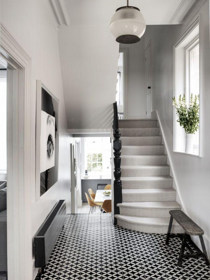 Elegant and Classic black and white tiled floor crisp