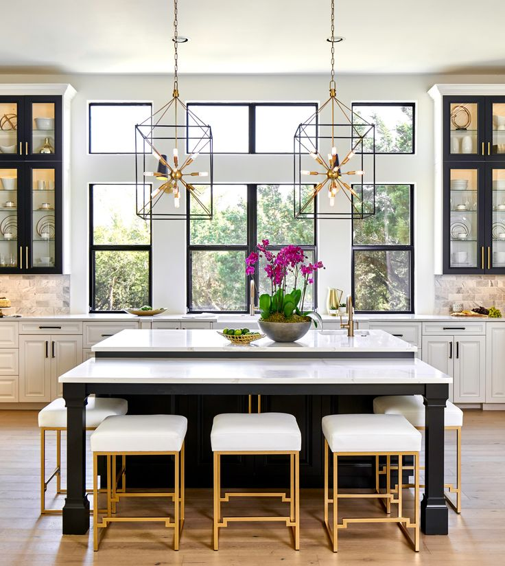 Best Interior Designideas: Black, White & Gold Transitional Kitchen With European