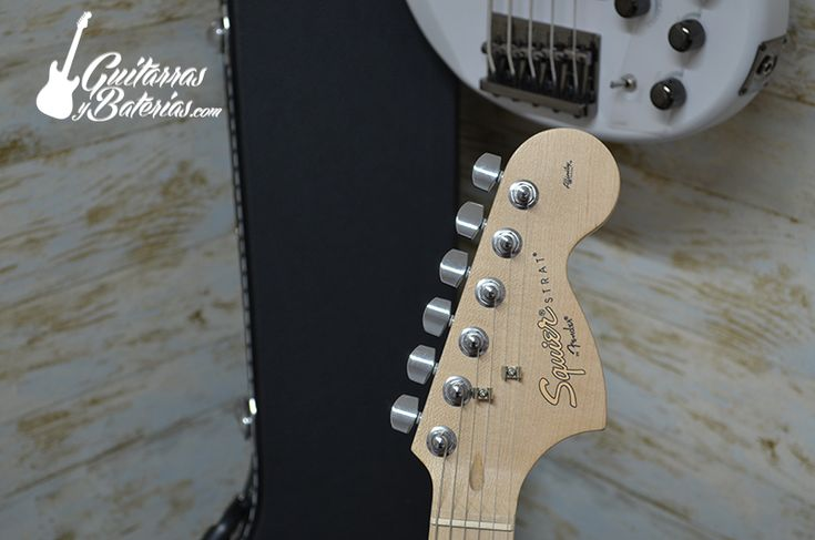 Fender Squier Stratocaster Affinity Guitarra Electrica