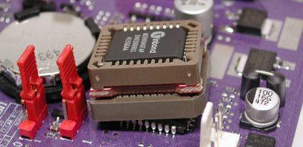 BIOS (БИОС) — это программа, которая встроена в материнскую плату. Она хранится в микросхеме и связывает материнскую плату со всеми комплектующими к ней подключенными. Вопрос, нужно […]