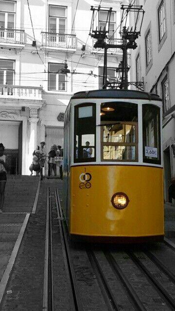 Lisboa, Portugal Elevador da Bica, Miradouro de Santa Catarina