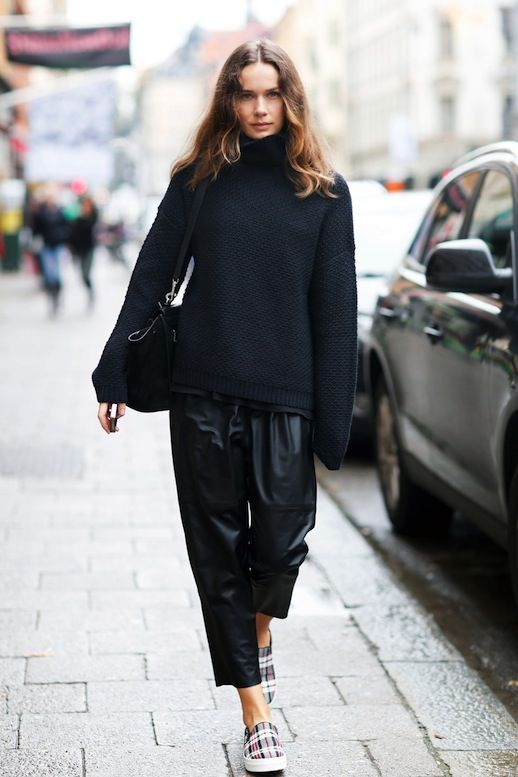 A Blogger's Cool Take On Cropped Leather Pants (Le Fashion ...