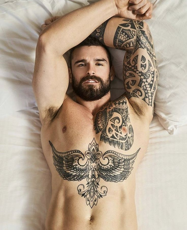 sex-oll-handsome-tattooed-guy-naked