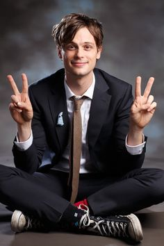 Matthew Gray Gubler - This has got to be one of my favorite photos of Matthew Gray Gubler - so adorable! repinned from : Ilka Babiel - Thank you :) I'm sorry I don't have the Cyrillic alphabet on this computer.