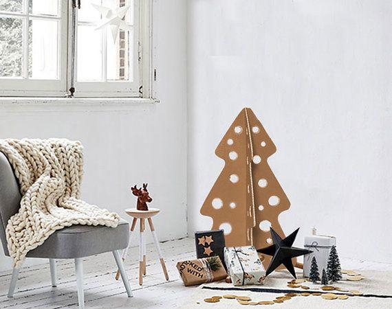 Christmas tree made of recycled alternative by bottegadicartone