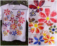 decoriciclo: Stampini fatti con i tappi di sughero + Pittura su stoffa per bambini = magliette originali e personalizzate