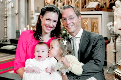 KONINKLIJK HUIS: Prince Jaime and Princess Viktoria of Bourbon Parma have released two pictures from the christening of their second daughter, Princess Gloria. The princess was christened in a private ceremony on 17 September 2016 in Apeldoorn.