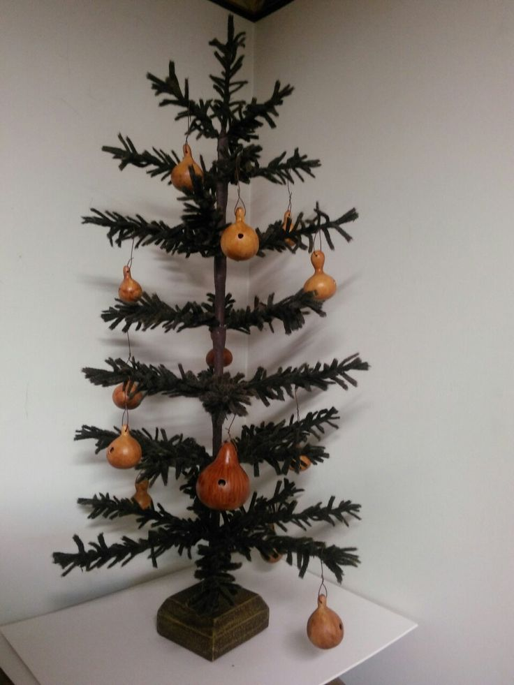 edd45e4d384557b5e41b48e004e36408  feather tree gourd art