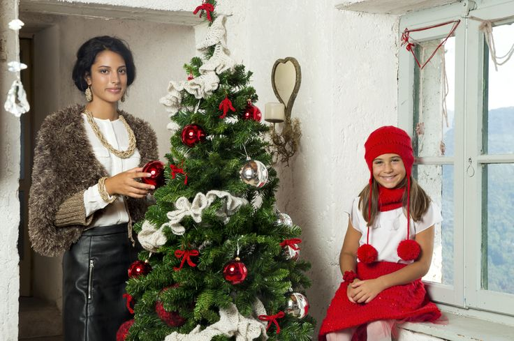 Mom and daughter #christmasair #mom #daughter #christmastree #zaffiro #merinosextra #componente #mondialtricot #yarns
