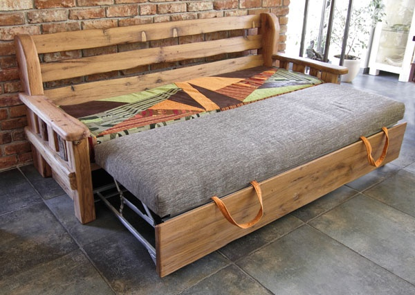 mountain style sofa.. GREAT trundle bed possibility! AL