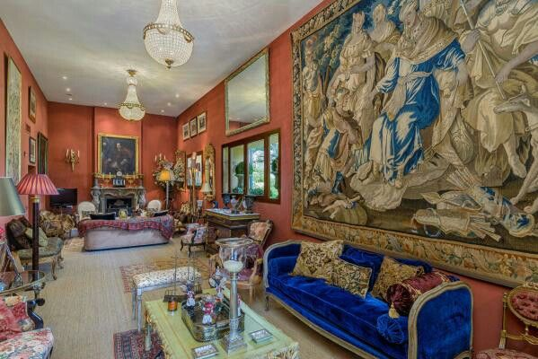 This unrivalled #property dating back to the XIth century offers a majestic experience through elaborate #interiordesign and #architectural grandeur. #mallorca #realestate