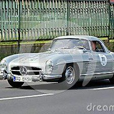 "Dastin50 Photo na Twitteru: ""Mercedes-Benz 300 SL Roadster 1958 - Download From Over 37 Million High Quality Stock Photos, Images https://t.co/pOOWuYThtr"""