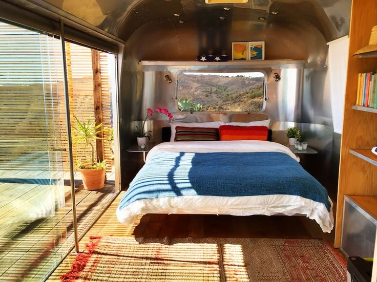 Entire home/apt in Malibu, US. Escape Los Angeles to this incredible getaway! Perched on a private bluff and surrounded by pristine nature and wildlife the airstream boasts infinite ocean views, quietness and style.