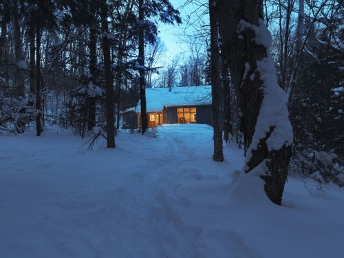 Cottage at night. Looks cozy, doesn't it? Craving for a hot chocolate.