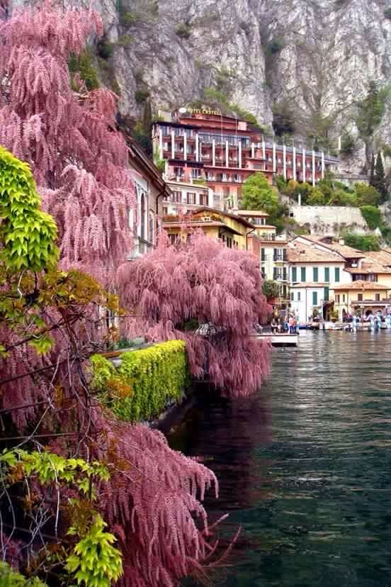 Limone sul Gsrda (Brescia) Italy. Places to travel before you die.