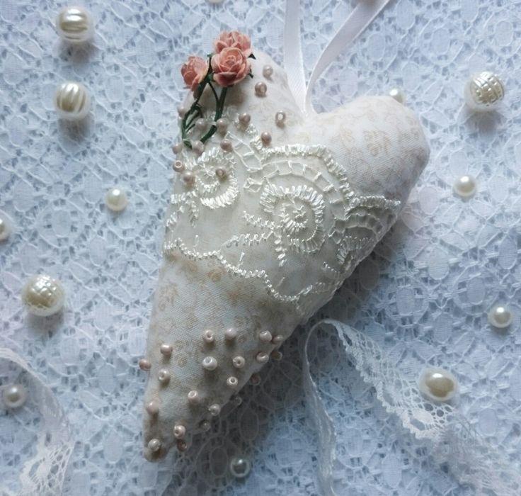 Нежное текстильное сердечко